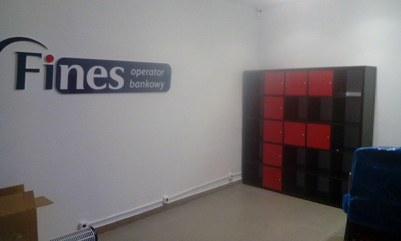 Reklama na ścianie i oklejenie szafy